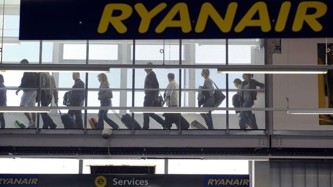 First head rolls at Ryanair after pilot scheduling fiasco