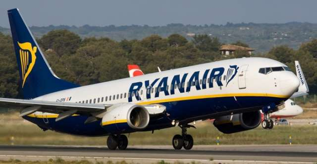 Ryanair suddenly cancels hundreds of flights over pilots