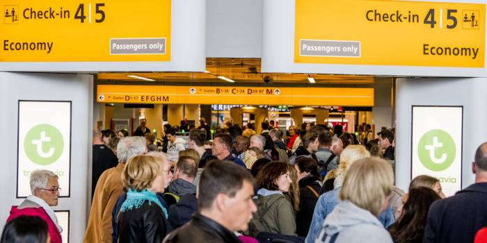 Pays-Bas: tous les vols annulés à l'aéroport d'Amsterdam à cause de vents violents