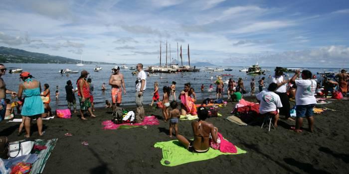 Une pirogue hawaïenne boucle son tour du monde en trois ans