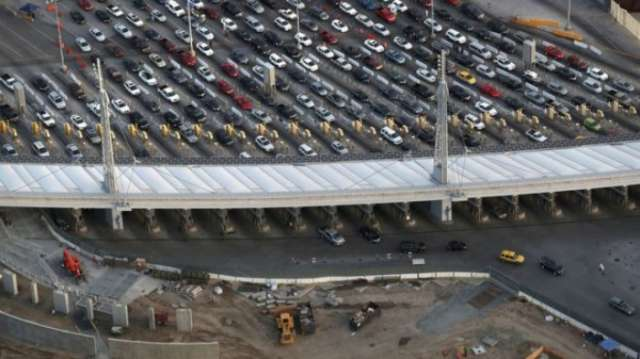 Busiest US-Mexico border crossing shuts for construction work