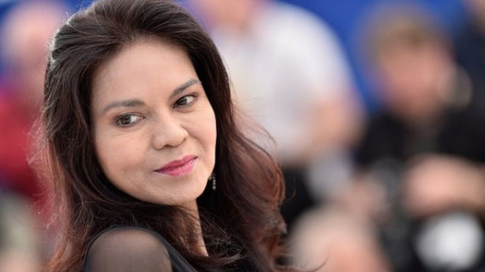 Philippines: Actress Maria Isabel Lopez fined for using VIP traffic lane