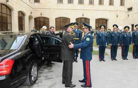 Elçin Quliyev türk generala medal verdi - FOTOLAR