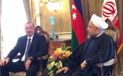 İlham Əliyev Ruhani ilə görüşdü