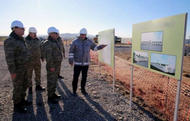 Azerbaijani Minister of Defense inspects military facilities in frontline zone