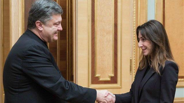 Poroşenko erməni naziri işdən çıxardı