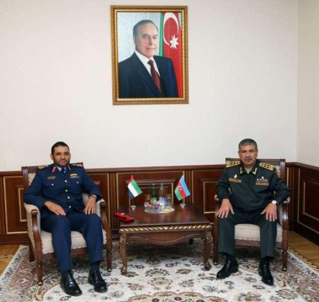 Azerbaijani Defense Minister receives delegation of UAE National Defense College