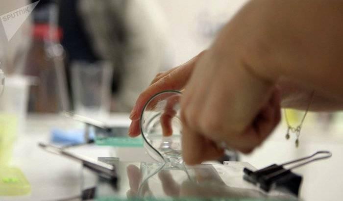Pruebas de ADN confirman que un médico de fertilidad concibió 49 hijos en secreto