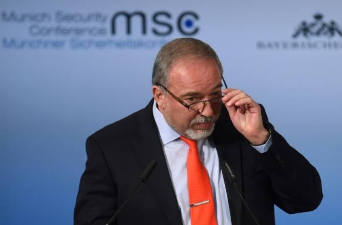 """Lieberman qualifie des députés arabes de """"criminels de guerre"""""""