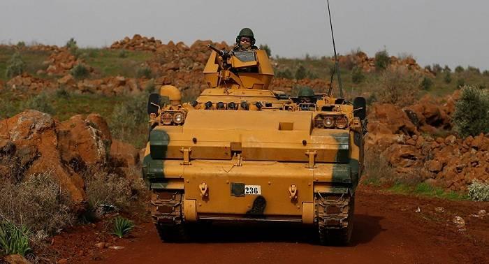 """Turquía informa de 300 """"terroristas"""" abatidos desde inicio de la operación en Afrín"""