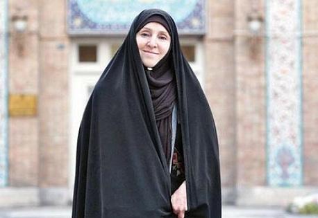 İran XİN-in ilk qadın sözçüsü - FOTO