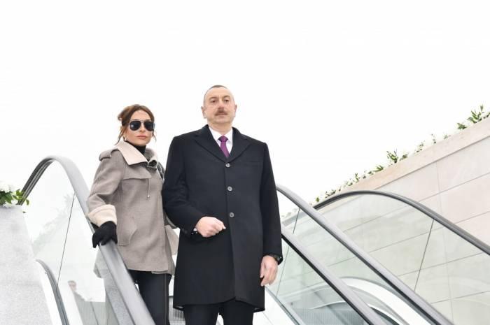 """Prezident birinci xanımla """"Bakı Ağ Şəhər""""də - YENİLƏNİB (FOTOLAR)"""