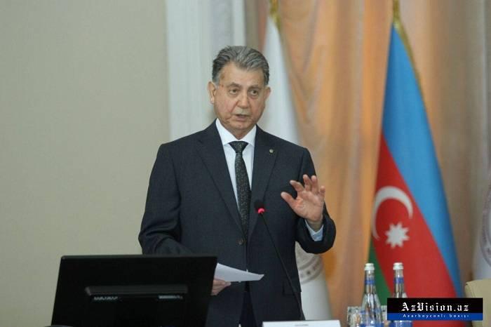 """Akif Əlizadə alimləri danladı: """"70 ildir eyni işlə məşğuldurlar"""""""