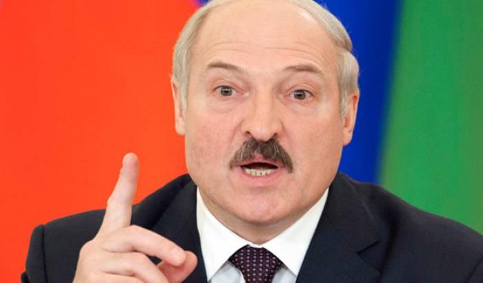 Lukaşenko Alxanlıdakı erməni vandalizminə münasibət bildirdi