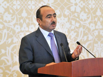 Azerbaijan`s presidential aide meets heads of media outlets