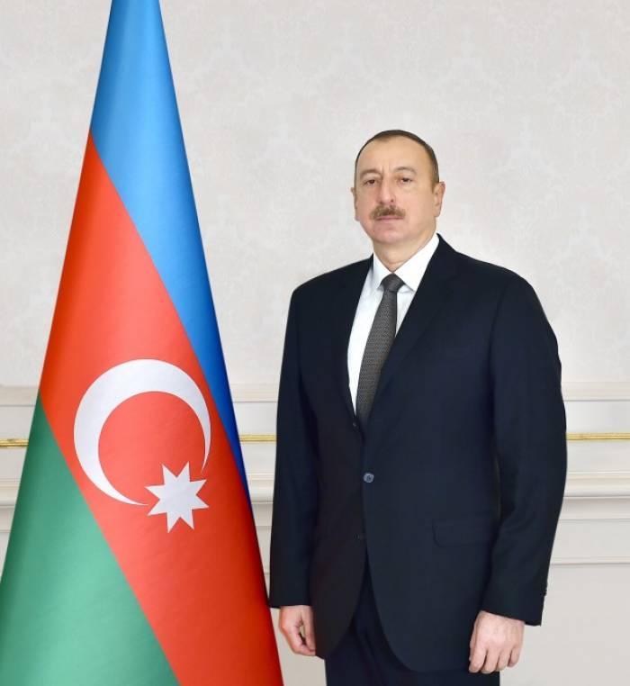 Aserbaidschans Präsident empfängt Rashid Al Zayani