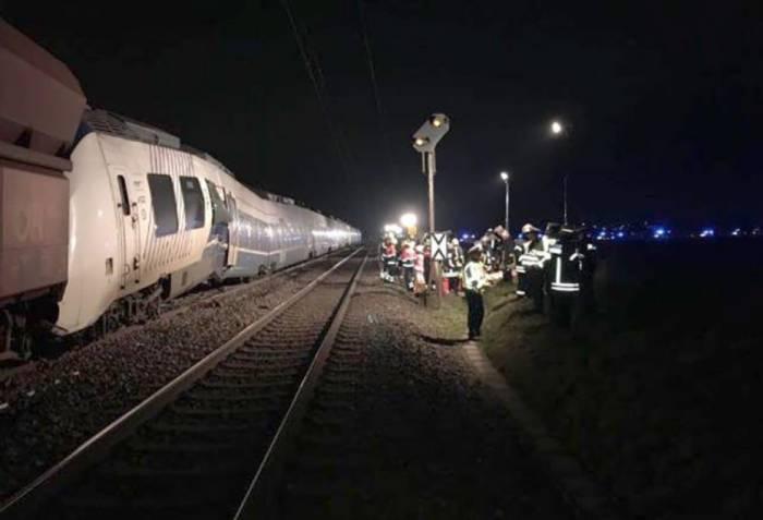Almaniyada qatar qəzası: 50 nəfər yaralanıb