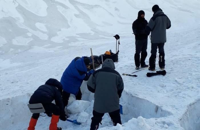 İtkin düşən alpinistlərin axtarışından YENİ FOTOLAR