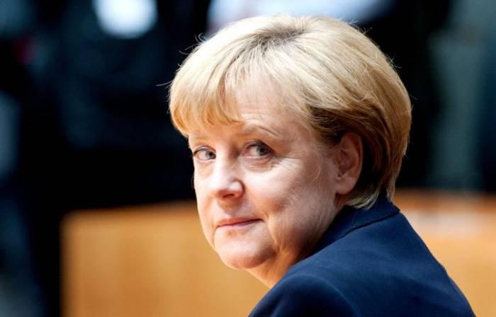 """Merkel: """"Rusiya Ermənistan və Azərbaycanla münasibətlərdə əsas rol oynayır"""""""