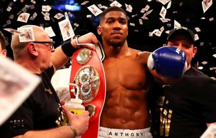 Joshua, el nuevo rey del boxeo tras noquear a Klitschko en el undécimo asalto