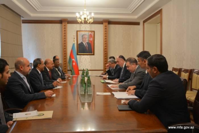 Aserbaidschans Außenminister empfängt Delegation des Golf-Kooperationsrates der Arabischen Staaten