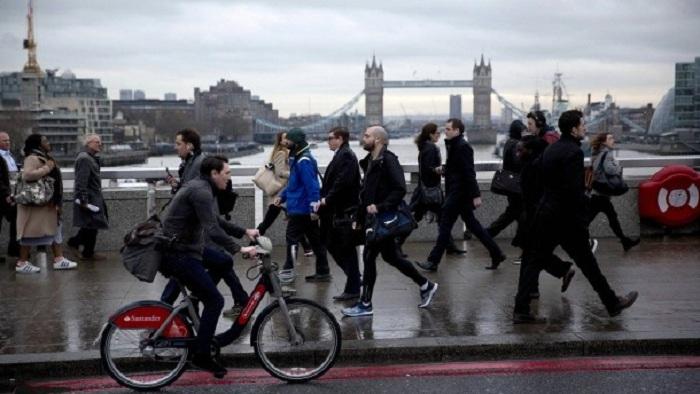 Briten erwägen Sonderabgabe für EU-Arbeitnehmer