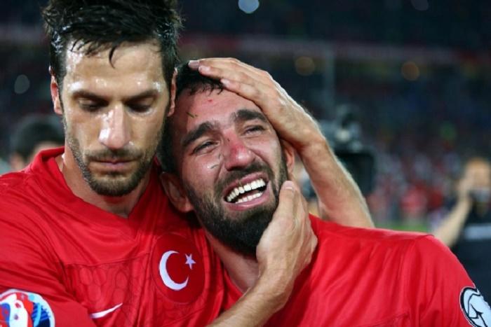 `Anamı ağlatdılar...` - Arda Turan