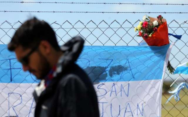 Hope fades after nine days of searching for Argentine submarine