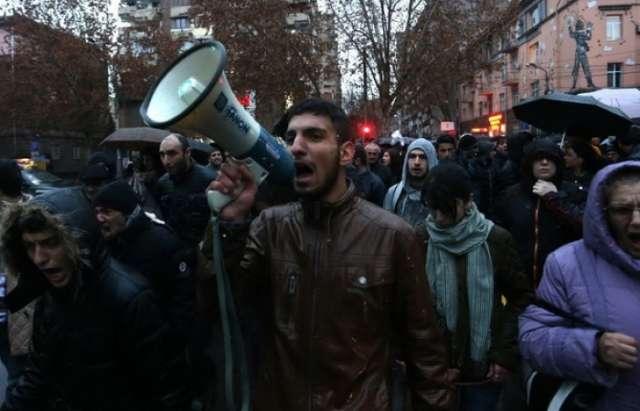 Demo in Eriwan in Erinnerung an armenische politische Gefangene - VIDEO