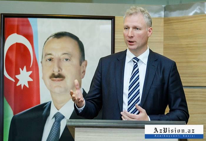 L'UE soutient le 100e anniversaire de la République d'Azerbaïdjan