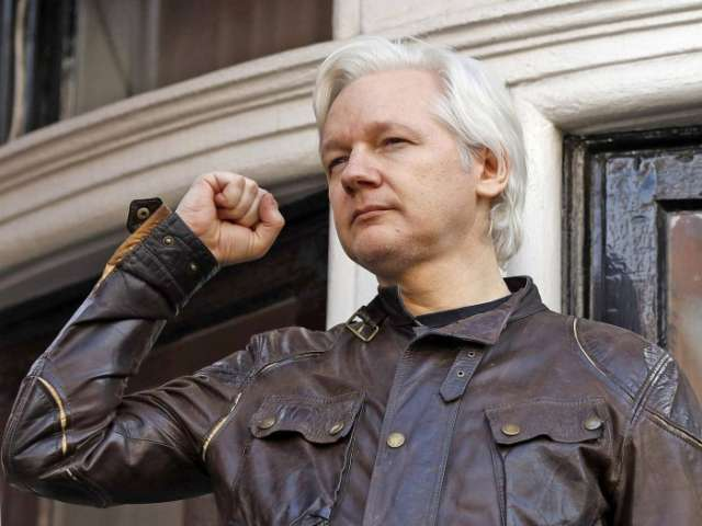 """Julian Assange """"conspired with Anonymous-affiliated hackers"""" -  VIDEO"""