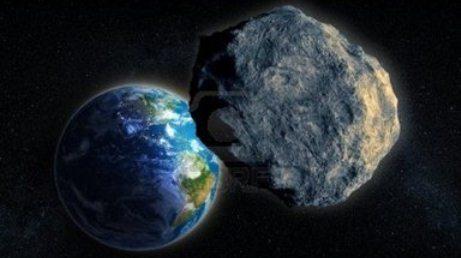 Asteroid yaxınlaşır