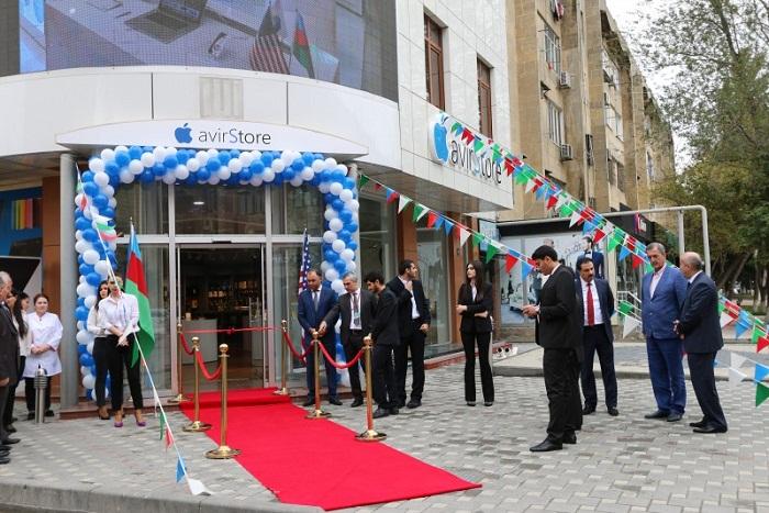`Apple` Azərbaycanda yeni mağaza açdı