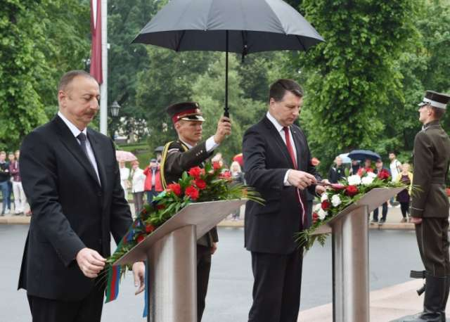 President Ilham Aliyev visits Freedom Monument in Latvia