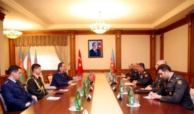 Azerbaijani, Turkish air forces discuss cooperation