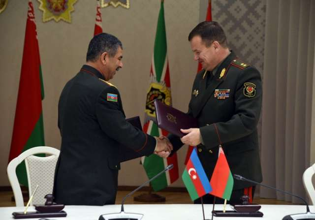 Defense ministries of Azerbaijan, Belarus sign co-op plan for 2018