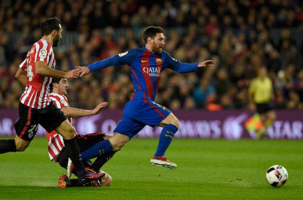 Le Barça passe grâce à Messi