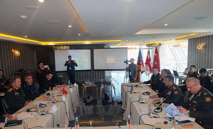 Zakir Hasanov sprach mit Hulusi Akar über Karabakh