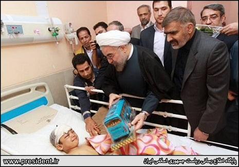 İran prezidenti zəlzələ bölgəsində- FOTOLAR