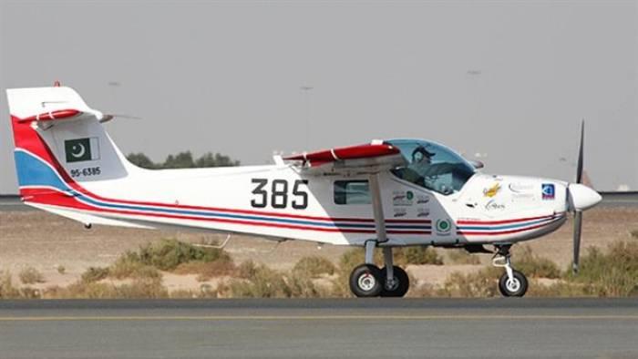 Pakistan will rechtzeitige Lieferung von Super Mushshak Flugzeugen nach Aserbaidschan gewährleisten
