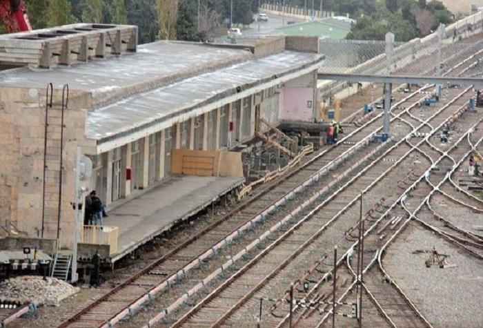"""""""Bakmil"""" stansiyası yenidən qurulur"""