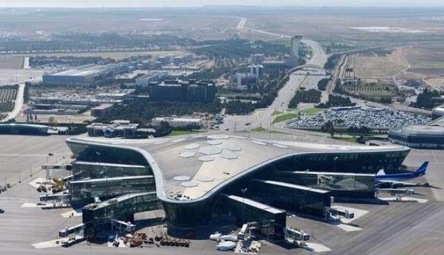 Passengers of delayed New York-Baku flight arrive at Heydar Aliyev Int'l Airport