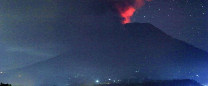 Bali volcano erupts but flights operating normally