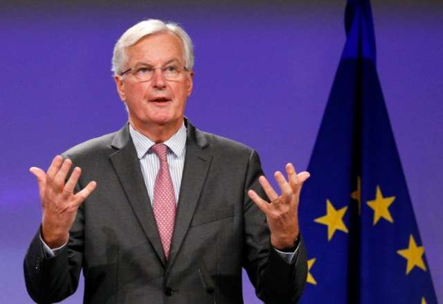 Brexit talks hit cash impasse, Barnier eyes move by December