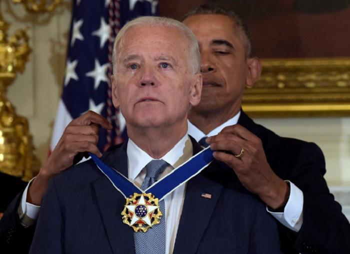 Obama vitse-prezidenti ağlatdı - (VİDEO)