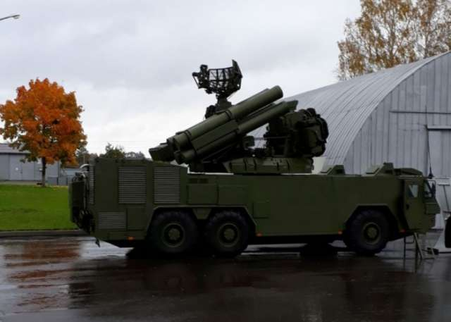 Azerbaijan's defense minister views Belarus-made military hardware