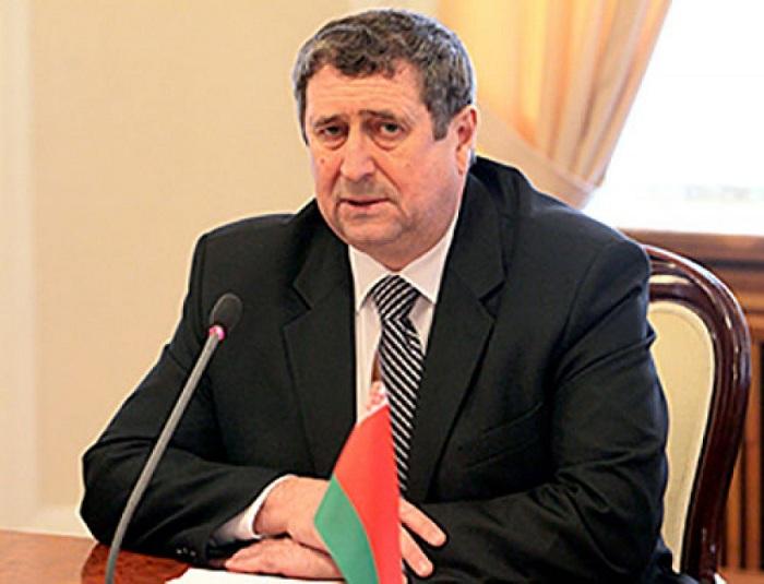 Lukaşenko hörümçək yerinə qoyuldu