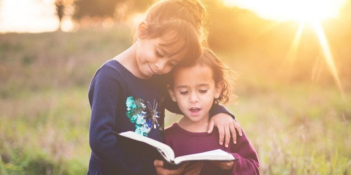 People who read books are kinder than TV watchers, says new study