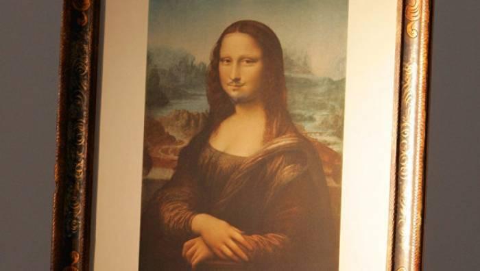 """""""Bığlı Mona Liza"""" 743 min dollara satılıb"""