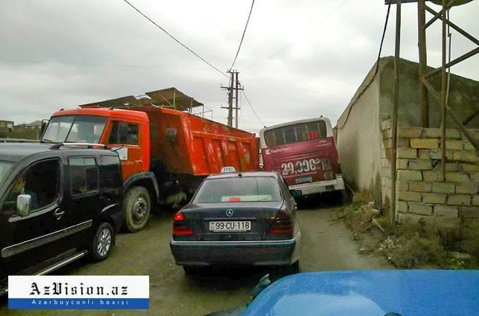 Binəqədinin həll olunmayan tıxac problemi - FOTOLAR